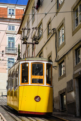 Lissabon – Standseilbahn Ascensor da Bica