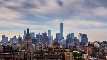 Fototapete - Beautiful clouds New York City Manhattan skyline. NYC, NY. 4K UHD Timelapse.