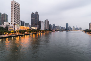 The Pearl river that crosses the Guangzhou downtown district at night
