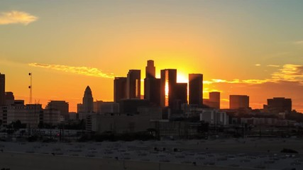 Klistermärke - Los Angeles skyline sunset night transition zoom out downtown. 4K UHD Timelapse