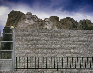 Wall Mural - Mount Rushmore National Monument in South Dakota on a cloudy summer day