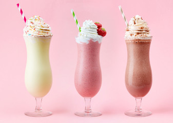 Foto auf Acrylglas Milch / Milchshake Vanilla, Strawberry and Chocolate milkshake