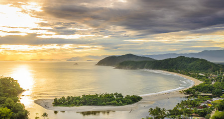 Spectacular sunset on the Barra do Una beach on the coast of the state of Sao Paulo , Brazil Fototapete