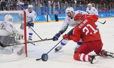 Olympics: Ice Hockey-Men Team Group B - RUS-SLO