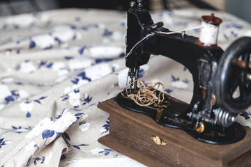 Hand sewing machine closeup