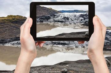 tourist photograph Solheimajokull glacier