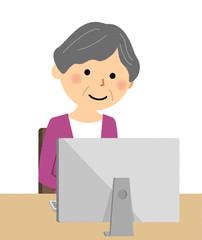 シニア女性 おばあちゃん PC