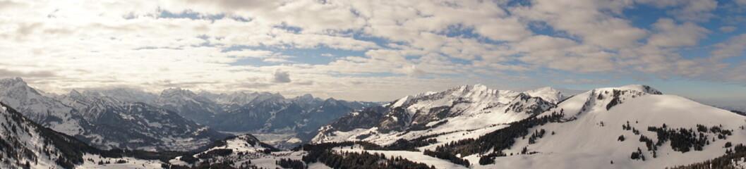 Berg-Panorama: Amden-Arvenbühl, Gulmen, Mattstock und Glarner Alpen
