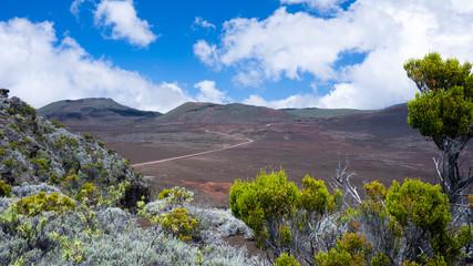 Route du Volcan traversant la Plaine des Sables, Ile de la Réunion