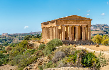 Fotobehang Bedehuis Temple of Concordia, located in the park of the Valley of the Temples in Agrigento, Sicily, Italy