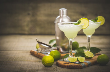Acrylic Prints Cocktail Margarita cocktail with lime and mint