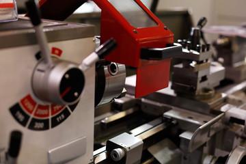 mechanical lathe machine