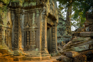 Printed roller blinds Place of worship Ancient carved stone doorway and courtyard, Ta Prohm temple, built in the 12th century during the reign of King Jayavarman VII. Angkor Archaeological Park Siem Reap, Cambodia