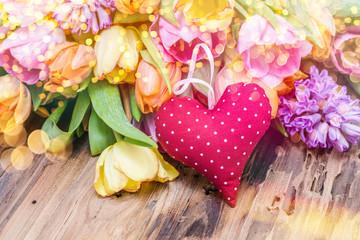 Postkarte herz auf Holz Blumen