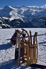 Luge traditionnelle en bois dans l'Oberland bernois en Suisse