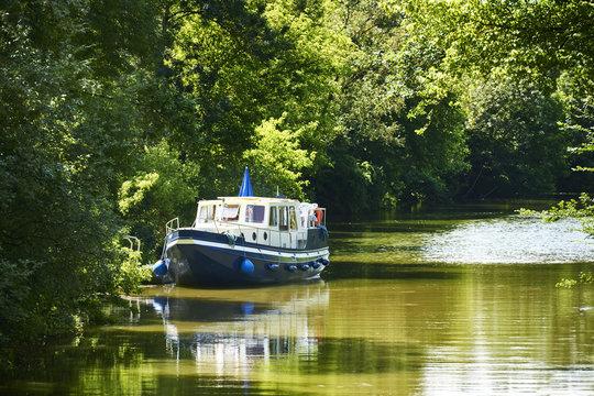 Hausboot Kanal