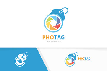 Vector camera shutter and tag logo combination. Lens and shop symbol or icon. Unique photo and label logotype design template.
