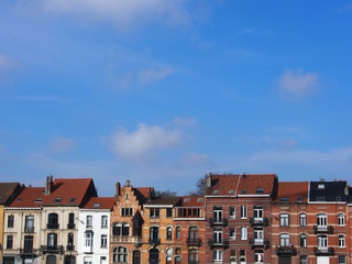 Brüssel: Altbaufassaden, Altbauzeile, Straße in Brüssel