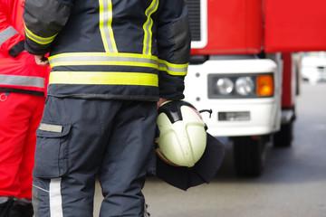 Feuerwehrmann, Einsatz für die Feuerwehr