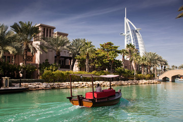 Keuken foto achterwand Dubai DUBAI, UAE - FEBRUARY, 2018: View on Burj Al Arab, the world only seven stars hotel seen from Madinat Jumeirah, a luxury resort which include hotels and souk spreding across over 40 hectars.