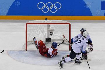 Olympics: Ice Hockey-Men Team Quarterfinal - USA-CZE