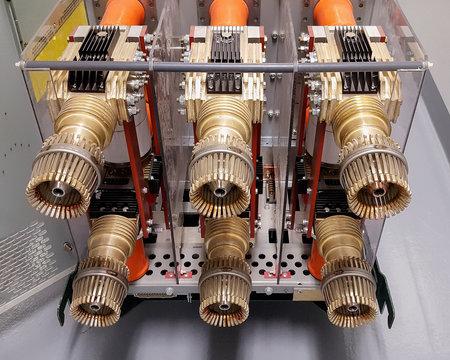Medium voltage circuit breaker element