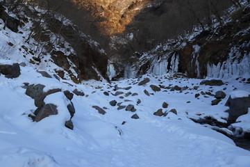 早朝の雲竜渓谷 ( 栃木県日光市 ) / Unryu valley in Nikko, Tochigi, Japan
