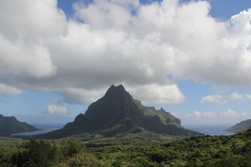 mountain view on Moorea in Tahiti