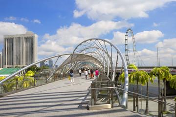 Мост Хеликс Бридж в Сингапуре.