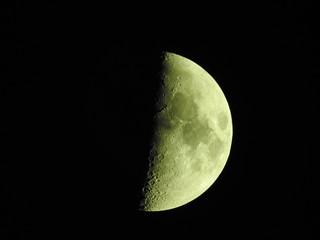 宵月、上弦、月齢7.2