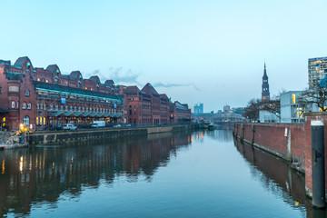 Das historische Hamburg an einem frühen Wintermorgen