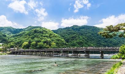 春の京都 渡月橋