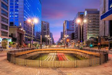 Fotomurales - Paulista Avenue at twilight in Sao Paulo