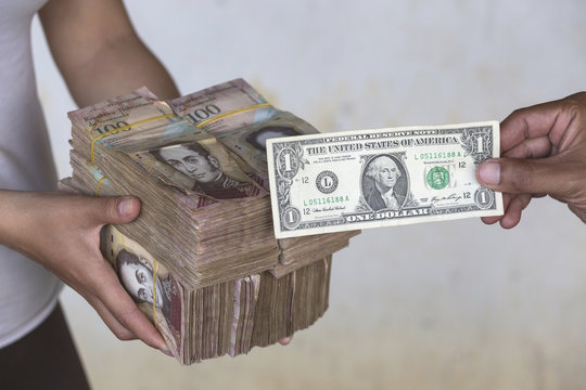 The economic crisis and hyperinflation in Venezuela