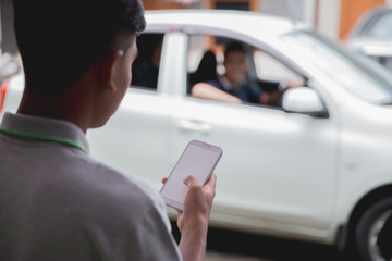 customer ordering taxi via online apps
