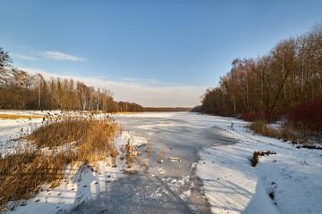 Zima - zamarzniętne jezioro, Rogoznik, Poland