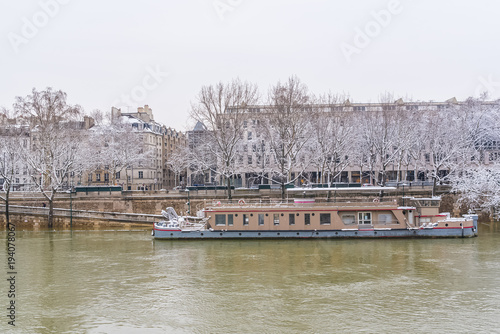 Paris Panorama Of The Seine In Winter Houseboats On The River