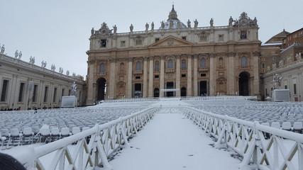 Basilica di San Pietro innevata - Roma