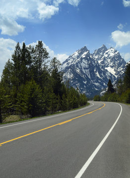 Road Grand in the  Teton National Park , Wyoming