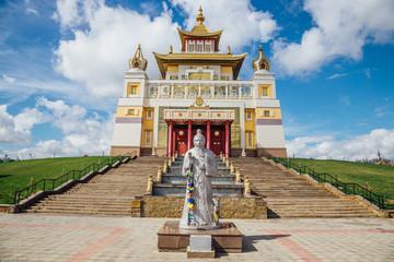 Papiers peints Edifice religieux Buddhist temple Golden Abode of Buddha Shakyamuni in Elista, Republic of Kalmykia, Russia