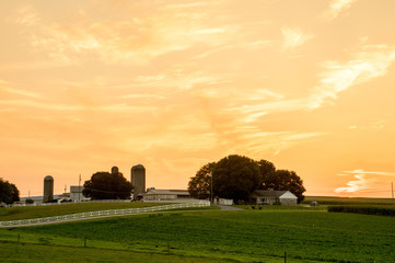 Wall Mural - Farmland Sunset in Lancaster County