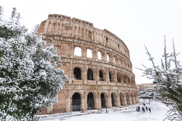 A lovely day of snow in Rome, Italy, 26th February 2018: a beautiful view of Colosseum under the snow