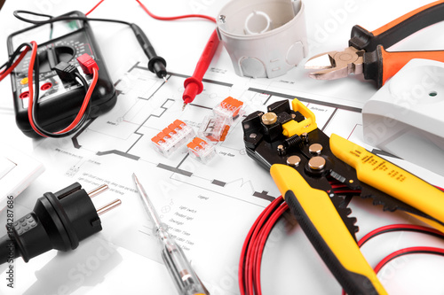 electrical tools and equipment on house wiring plan ... on
