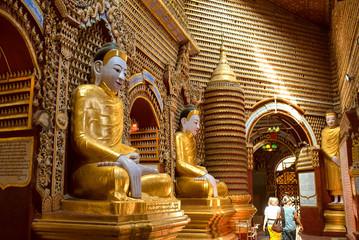 Buddha statues in Thanboddhay Temple, Monywa, Myanmar モンユワのタウンボッデー寺院