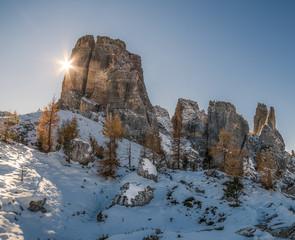 Montagne delle dolomiti in Italia in inverno