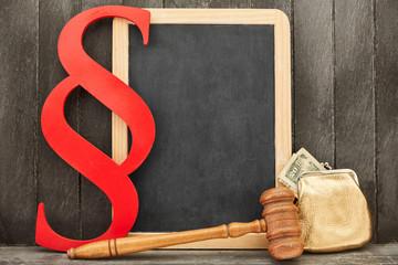 Wirtschaftsrecht und Bankrecht Konzept mit Geld