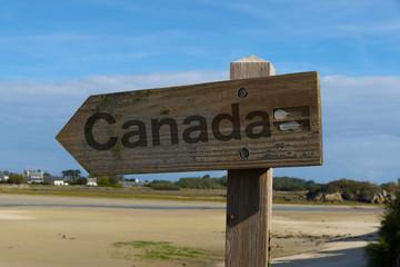 Ein Hinweis auf die Grenze zu Kanada