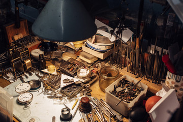 Watchmaker's table