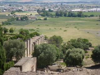 Medina Azahara, yacimiento arqueologico y ciudad palatina por Abderramán III  en las afueras de Córdoba, en Sierra Morena (Andalucia, España)