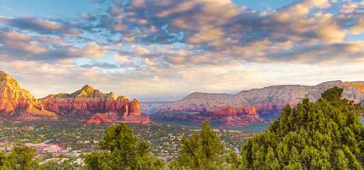 Zelfklevend Fotobehang Arizona Spiritual Sedona Arizona red rock formations blue sky beauty